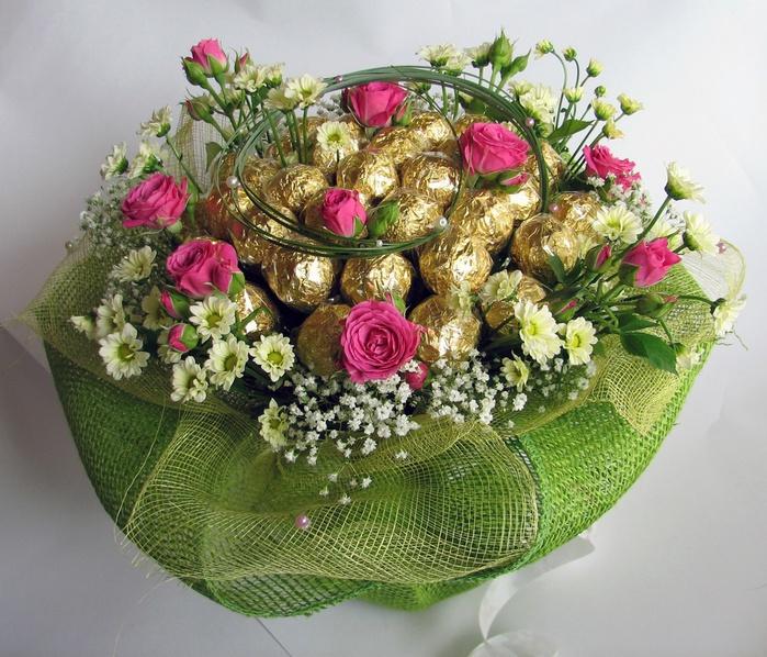 Букет цветов и конфеты картинки 2