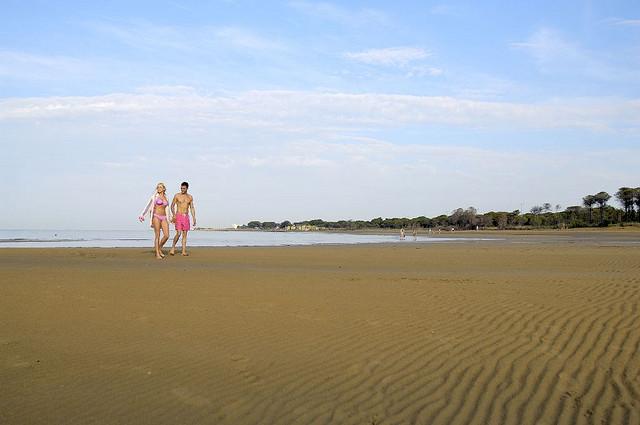 Прогулка_по_песочному_пляжу_в_Бибионе (640x425, 58Kb)