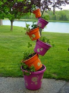 Плантация для сада из цветочных горшков