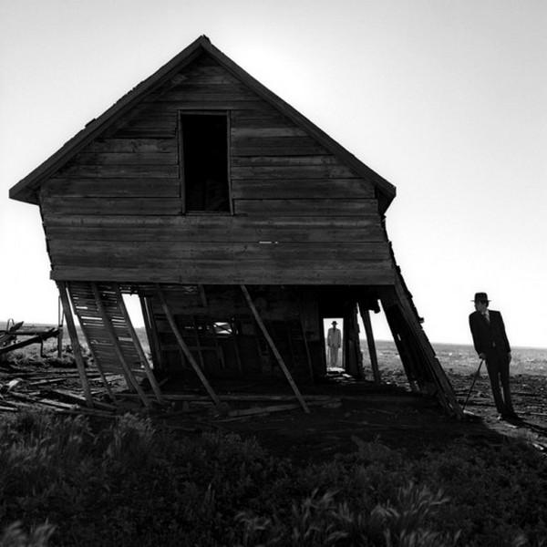 Лучшие фотографии в стиле сюрреализм от Родни Смита 15 (600x600, 66Kb)