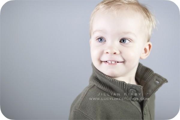 Профессиональные фото детей от студии Lucy Lime 230 (600x400, 30Kb)
