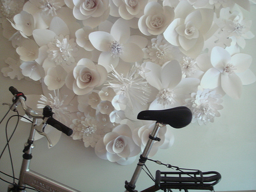 Объемные бумажные цветы на стену своими руками