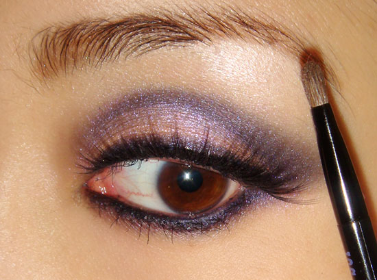 pink-blue-smoky-eye-makeup-tutorial-eyebrows (550x409, 61Kb)