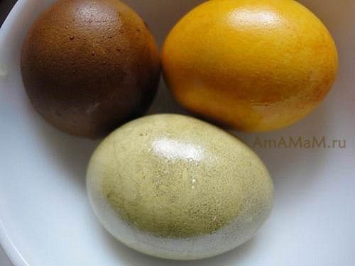 Натуральные способы покрасить яйца