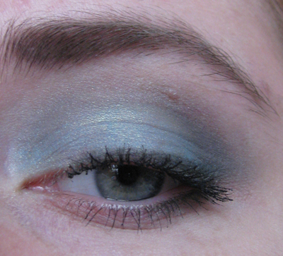 Guerlain 12 Les Aqua-Make-Up2/3388503_Guerlain_12_Les_AquaMakeUp2_4 (400x363, 164Kb)
