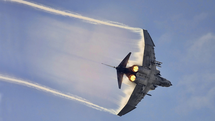 f-4-phantom-ii-fighter-bomber-mcdonnell-douglas-navy-aircraft (700x393, 174Kb)