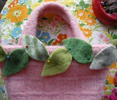 Felt-Flower-Mini-Tote7 (400x340, 48Kb)