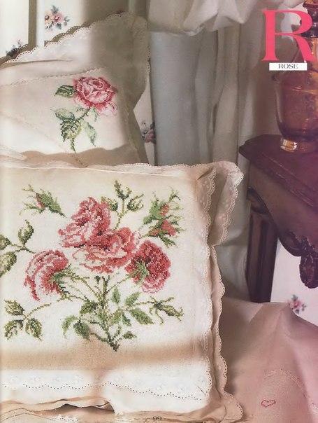 подушка с розой (455x604, 62Kb)