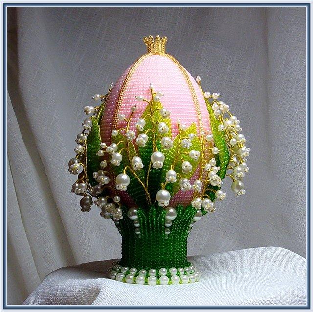Схемы плетения из бисера пасхальных яиц также отличаются друг от друга.