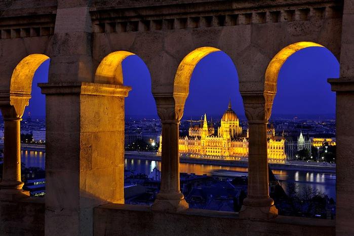 Ночной Будапешт 38100