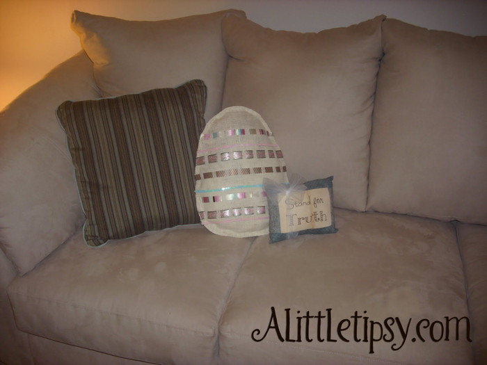 Burlap Easter Egg Pillow (700x525, 278Kb)