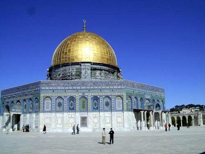 Белокаменный Иерусалим - город со своей историей в 4000 лет. . Город являе