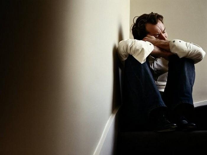 Плачущие мужчины фотографа Сэм Тэйлор-Вуд - Jude Law (700x524, 43Kb)