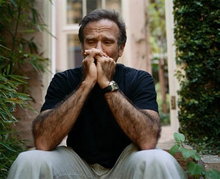 Плачущие мужчины фотографа Сэм Тэйлор-Вуд - Robin Williams (700x570, 85Kb)