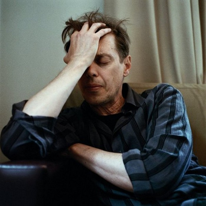 Плачущие мужчины фотографа Сэм Тэйлор-Вуд - Steve Buscemi (700x700, 84Kb)