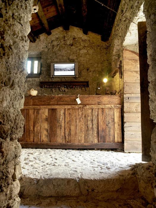 Итальянский эко-отель Albergo Diffuso Santo Stefano di Sessanio 38 (525x700, 476Kb)
