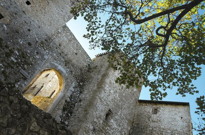 Итальянский эко-отель Albergo Diffuso Santo Stefano di Sessanio 49 (700x459, 165Kb)