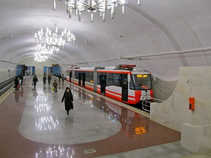 Еще одним уникальным явлением Волгограда является линия скоростного трамвая или - метротрам.  И пусть злые языки...