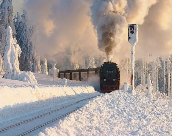 http://img0.liveinternet.ru/images/attach/c/5/85/289/85289812_Russkaya_zima_Parovoz.jpg