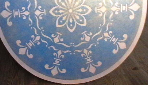 стол голуб (614x353, 63Kb)