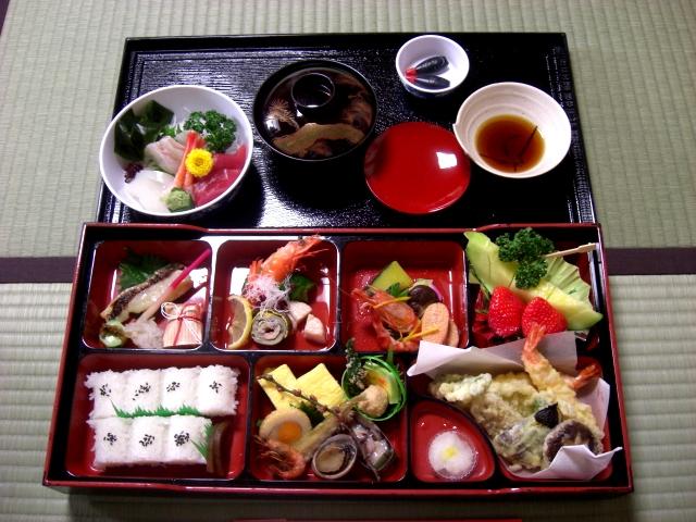 японская еда (640x480, 286Kb)