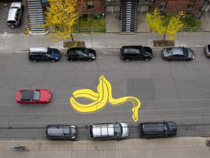 Граффити стрит-арт художника Roadsworth 7 (700x525, 96Kb)