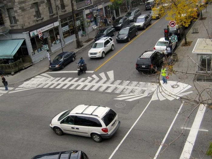 Граффити стрит-арт художника Roadsworth 21 (700x525, 109Kb)