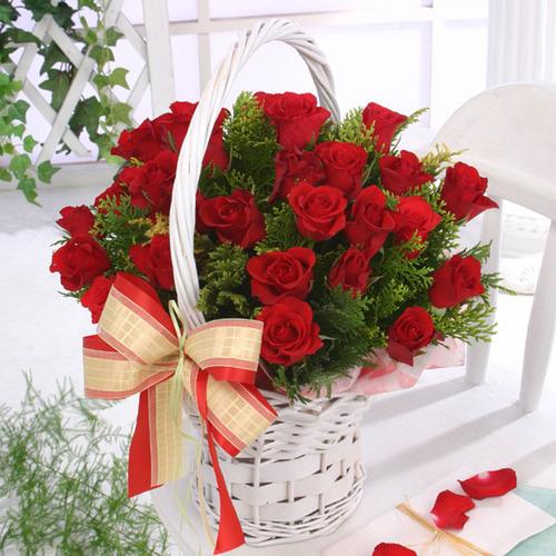 розы в корзине (500x500, 109Kb)