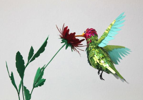 Диана Белтран, колумбийская художница и скульптор, создает из бумаги удивительно красивые и яркие фигурки птиц из...