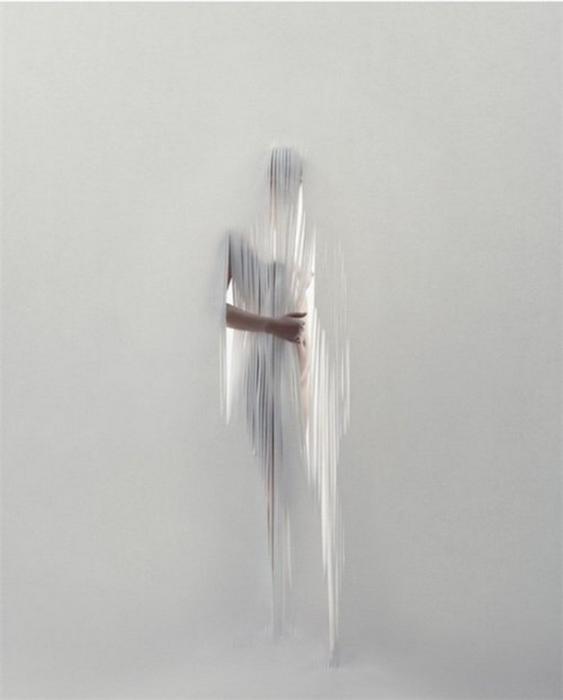 Современный сюрреализм на фото Gregoire Alexandre 27 (563x700, 136Kb)