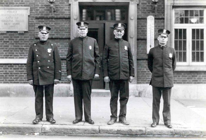 police_1890_1930 (34) (700x476, 58Kb)