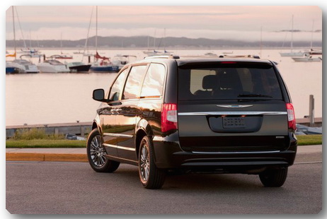 2011-chrysler-town-country_100321483_l (462x310, 51Kb)