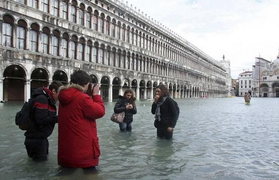 венеция наводнение 3 (551x355, 89Kb)