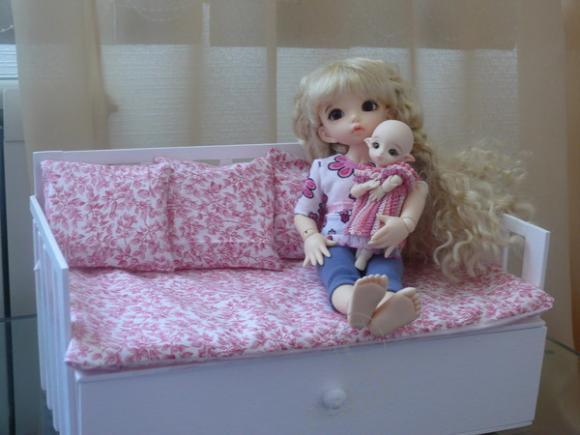 Диванчик для кукол видео