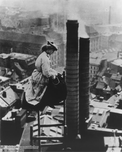 A Female Mason Perched High above Berlin, circa 1910 (505x630, 137Kb)