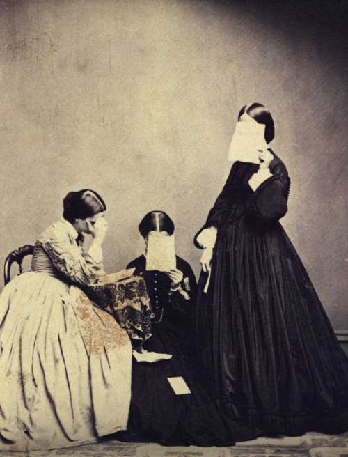 Unknown photographer, Portrait of three women, 19th century...The Unseen Eye- Photographs from the Unconscious (Aperture, 2011) by W.M. Hunt (500x656, 78Kb)