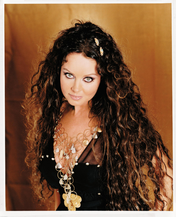 Sarah-Brightman-sarah-brightman-23981495-2078-2560 (568x700, 505Kb)