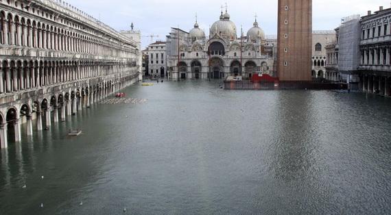 затопленная венеция 1 (570x314, 82Kb)