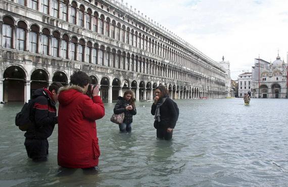 затопленная венеция 3 (570x371, 97Kb)