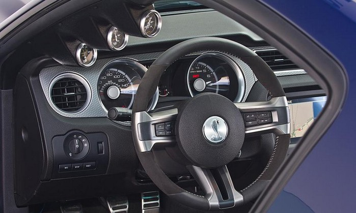 Shelby 1000 новая реинкарнация легендарной модели Ford Shelby gt500 Super Snake 5 (700x419, 74Kb)