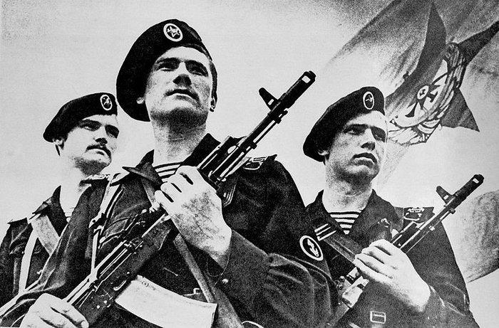 Чёрные береты- 300 лет морской пехоте России. (2005) Документальные фильмы
