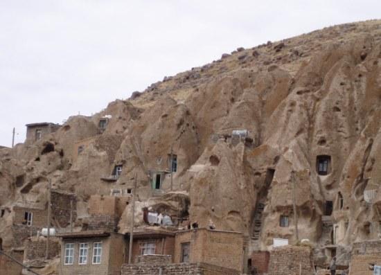 пещерный город 1 (550x397, 48Kb)