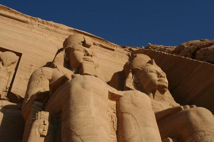 800px-Абу-Симбел,_Луксор,_Египет (700x466, 100Kb)