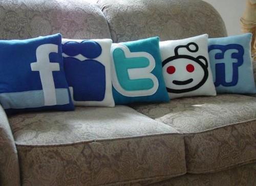 Креативные подушки и одеяла 27 (500x364, 46Kb)