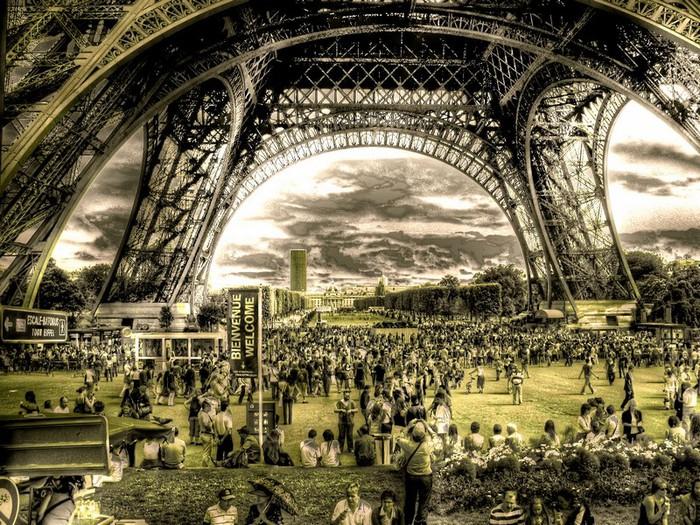 Лучшие фото Парижа в формате HDR 7 (700x525, 193Kb)