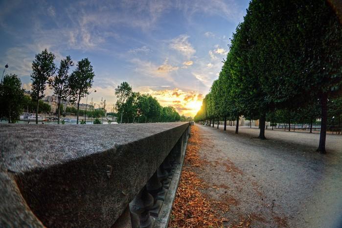 Лучшие фото Парижа в формате HDR 53 (700x466, 110Kb)
