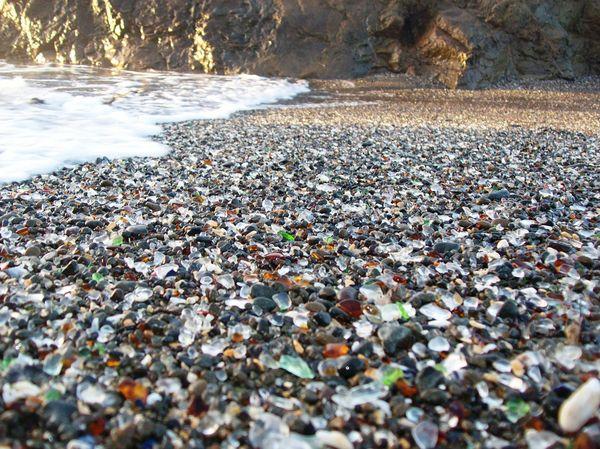 стеклянный пляж (600x449, 711Kb)