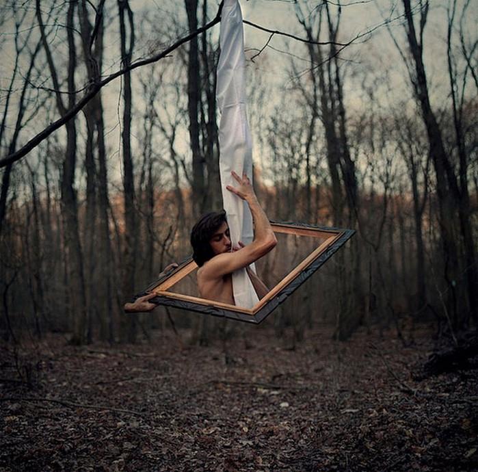 Странный фото-сюрреализм от Kevin Corrado 2 (700x690, 141Kb)