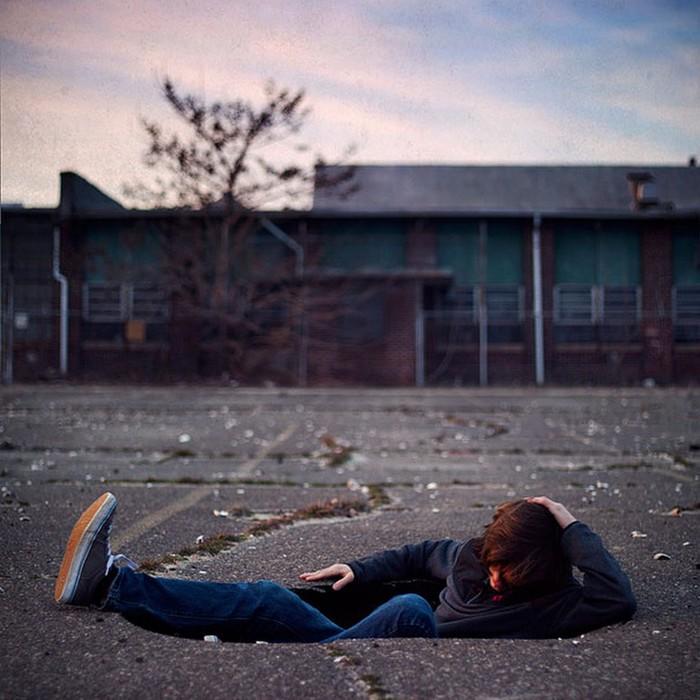 Странный фото-сюрреализм от Kevin Corrado 14 (700x700, 107Kb)