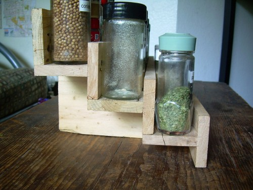 diy-spice-rack-of-reclaimed-pallet-2-500x375 (500x375, 54Kb)